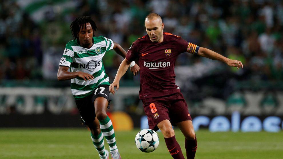 Iniesta durante un partido de Champions contra el Sporting de Portugal