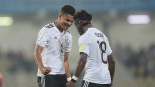 Los jugadores de Alemania celebran uno de los goles.