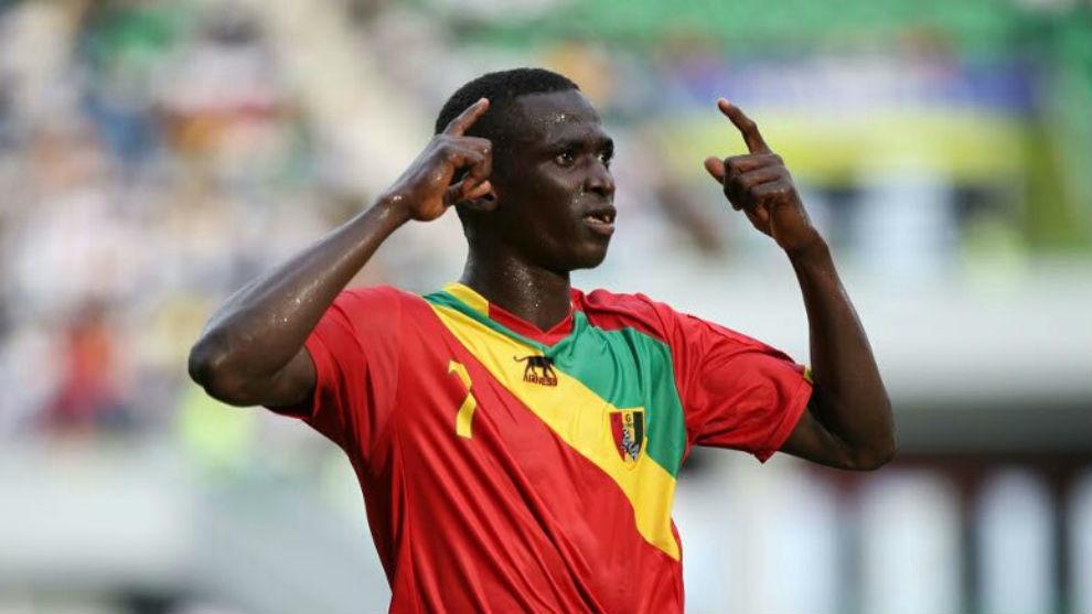 Djibril Fandje Touré celebra un tanto con Guinea.