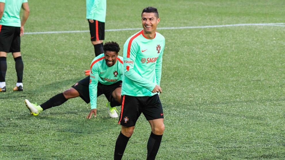 Cristiano, durante un entrenamiento con Portugal