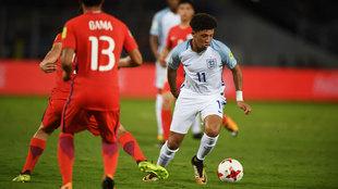 Jadon Sancho, de Inglaterra, en acción en el partido contra Chile