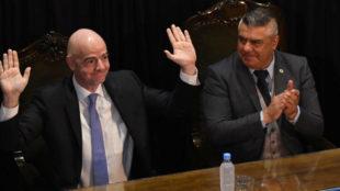 Giani Infantino y Claudio Tapia