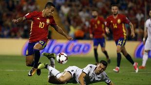 Thiago en el partido frente a Albania en el Rico Pérez