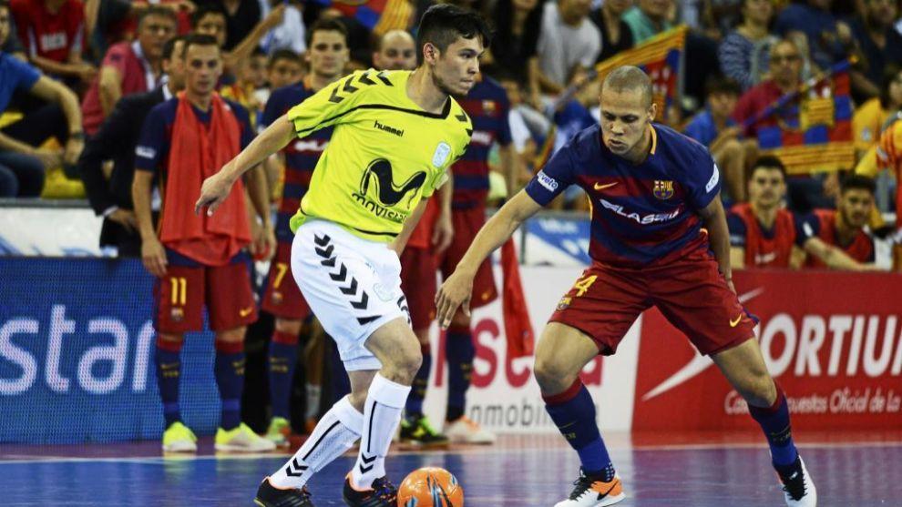 Barcelona y Movistar Inter durante la última final de la LNFS