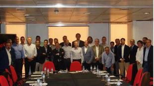 Reunión entre los integrantes de los clubes de la LEB Oro y la FEB.