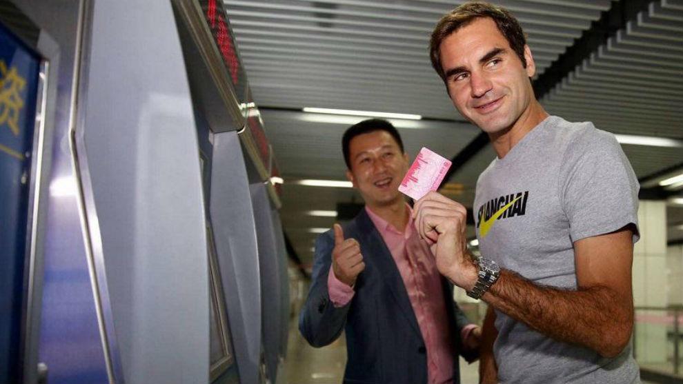 Federer, en el metro de Shangái