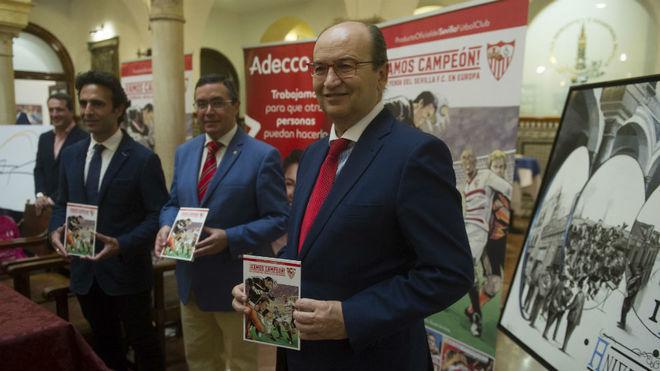 José Castro, durante la presentación del cómic oficial del Sevilla.