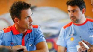 El piloto español, en la asistencia de su equipo
