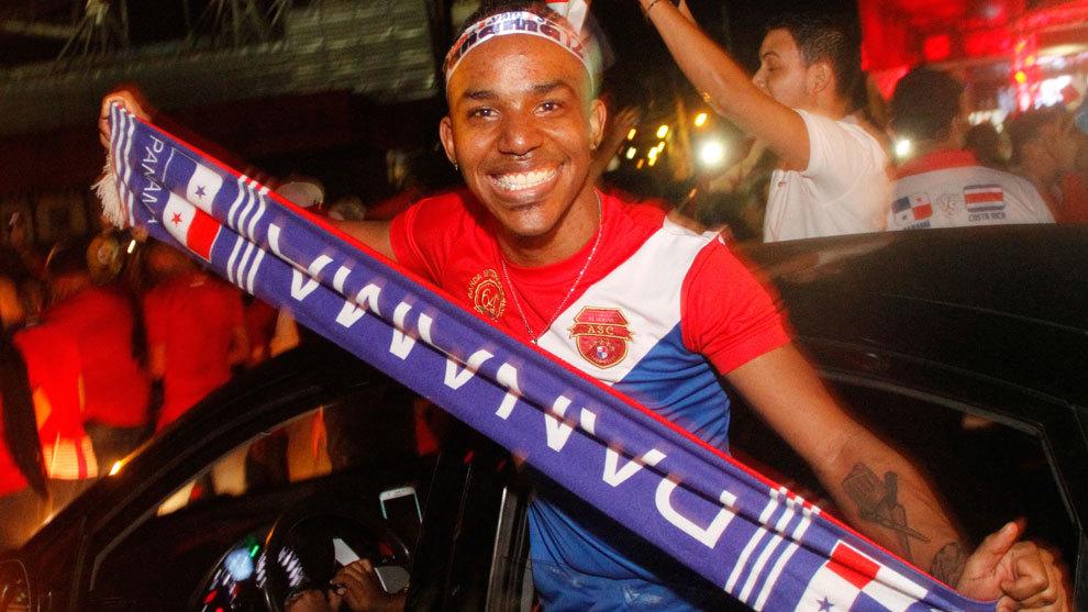 Aficionados de Panamá celebrando el boleto al Mundial