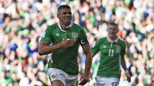 Jonathan Walters celebra un gol con la selección de Irlanda.
