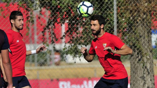 Nico Pareja en un entrenamiento del Sevilla.