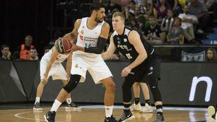 Ayón, durante el encuentro liguero ante el Bilbao Basket.