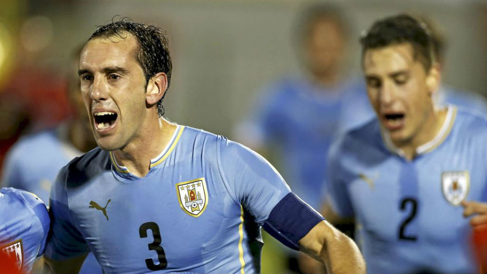Godín y Giménez, clasificados de forma directa con Uruguay