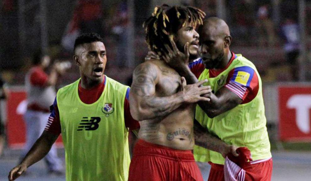 Jugadores de Panamá celebran la clasificación