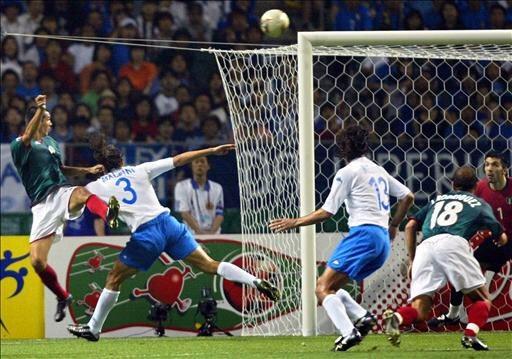 Gol de Borgetti en el Mundial 2002 contra Italia.