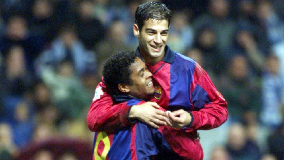 Gerard López y Kluivert celebran un gol en el Nuevo Tartiere, en...