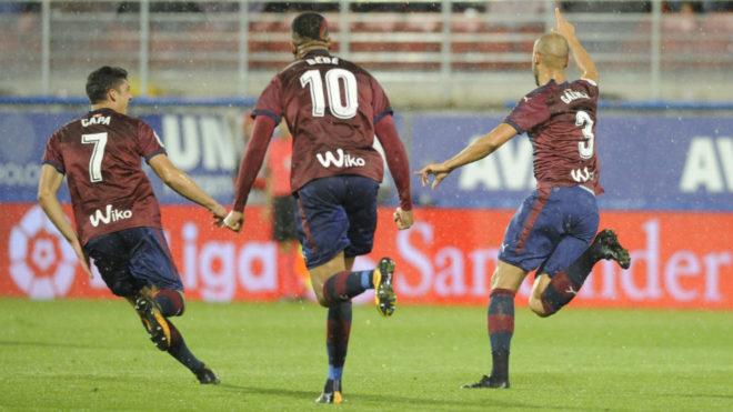 Capa, Bebé y Gálvez celebran un gol al Leganés esta temporada en...