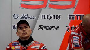 Jorge Lorenzo, en su box en Motegi