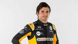 Sainz con su nueva vestimenta de Renault Sport F1.