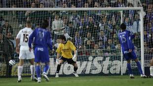 Raúl Albiol marca en la victoria del Getafe (2-1) sobre el Real...