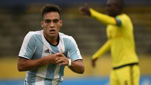 Lautaro celebra un gol con Argentina.