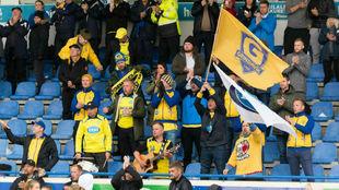 Aficionados del Grindavik durante un partido