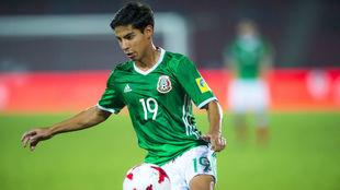 Diego Lainez, en un partido con la selección mexicana sub 17.