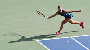 Barbora Strycova ante Johanna Konta en el Pan Pacific Open.