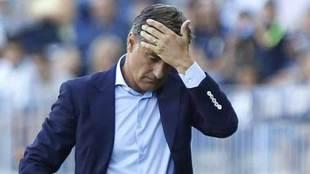 Míchel se lamenta durante el encuentro ante el Leganés.