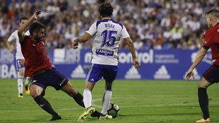 Fran Mërida derriba a Buff en lo que significó el penalti del gol...