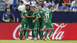 Los jugadores del Leganés celebran uno de los dos goles que marcaron...