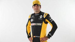 Carlos Sainz, con la equipación de Renault Sport F1.