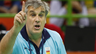 Jorge Dueñas estuvo al frente de la selección española femenina