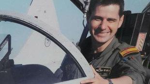Borja Aybar piloteando