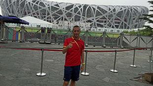 Carles Castillejo hace la señal del O.K.