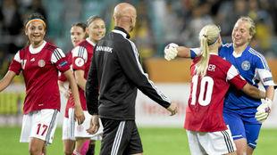 Jugadoras de la selección danesa durante la Eurocopa de Países Bajos...