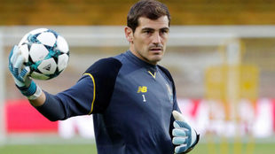 Casillas, entrenando con el Oporto.