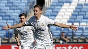 Dani Gómez celebra un gol este curso