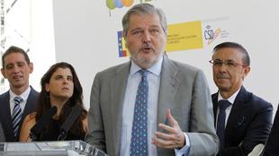 Íñigo Méndez de Vigo (61), durante una rueda de prensa