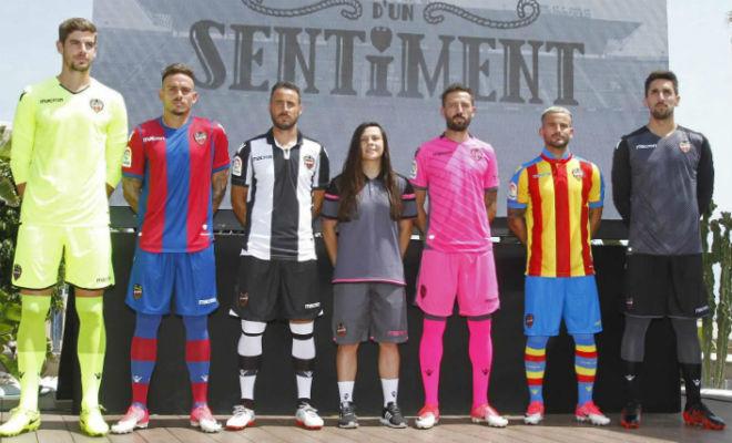 Presentación oficial de las camisetas del Levante en la temporada...