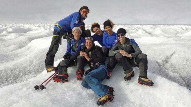 Las cinco aventureras que superaron un cáncer en el Ártico junto a...