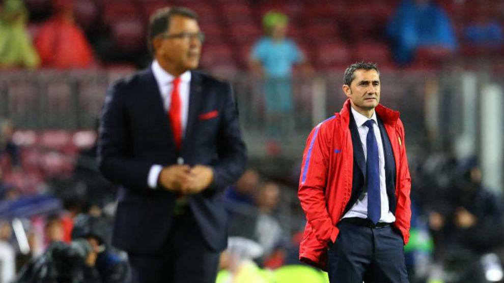 Valverde y Lemonis, en el Camp Nou.