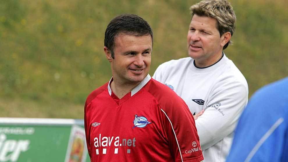 Rafael Monfort, hace 12 años en su etapa como entrenador del Alavés...