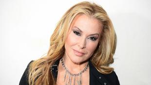 La cantante sufrió cáncer de mama en dos ocasiones, en 2004 y 2013....