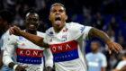 Mariano celebra un gol con el Lyon