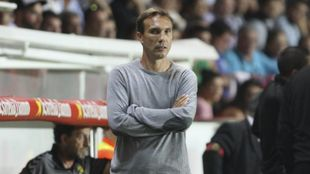 Rodri, entrenador del Nástic, durante un encuentro del conjunto...