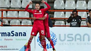 Rodrigo Salinas festeja el gol del empate