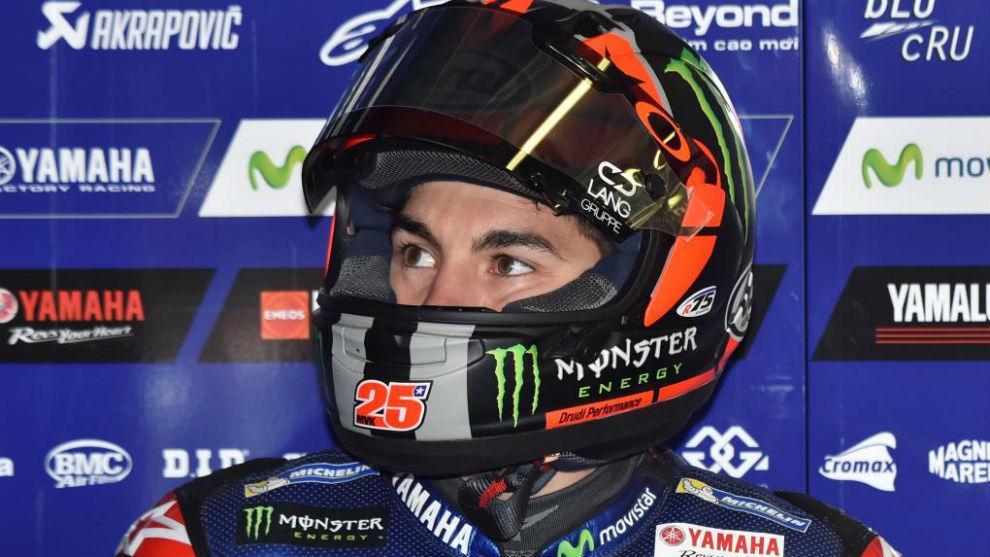 Maverick Viñales, en su garaje de Yamaha en Phillip Island este...