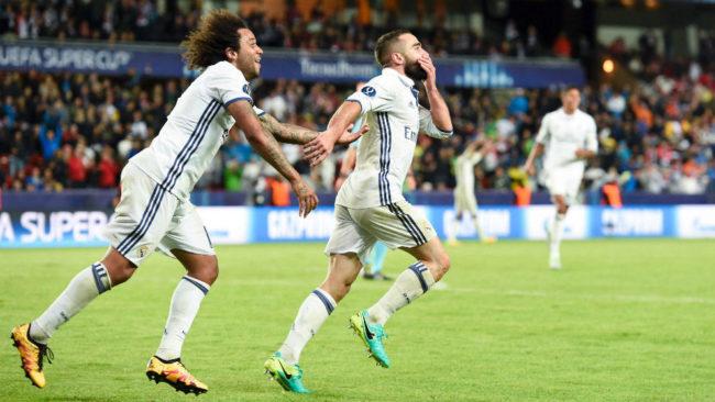 Marcelo y Carvajal celebran el gol del canterano en la Supercopa de...