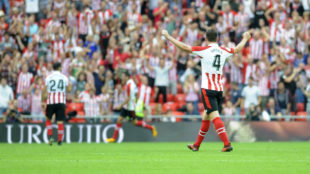 Aymeric Laporte celebrando un gol del Athletic en el Atheltic-Sevilla